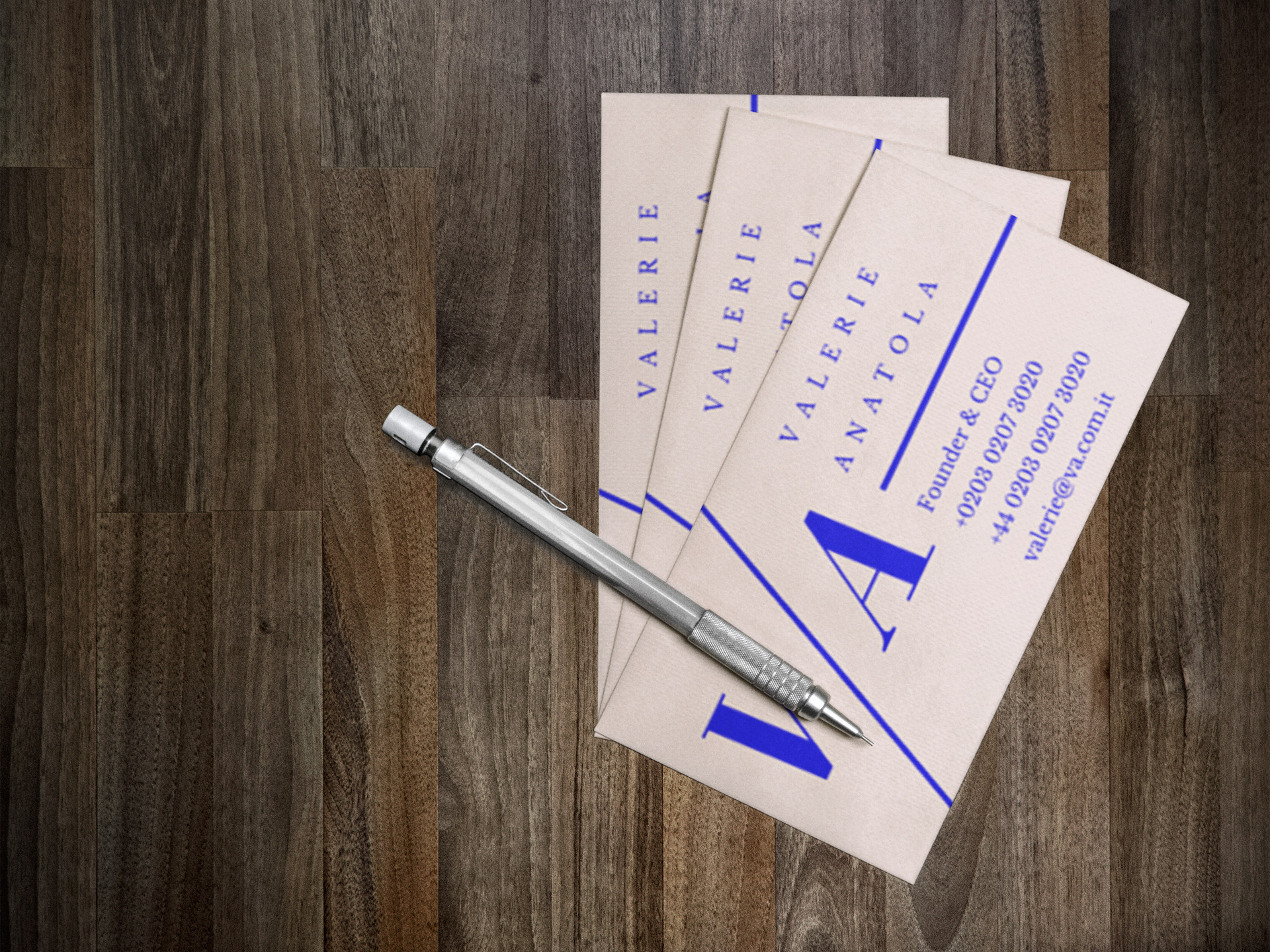 Basic business cards friday media print deluxe business cards colourmoves Images